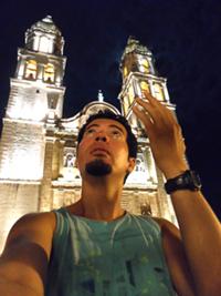 Mi almenaŭ profitis la okazon por peti la benon de sankta Zamĉjo ĉe la katedralo de Campeche. =P