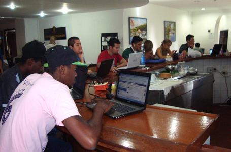 Parte da área Wi-Fi do cybercafé do Hotel Nacional, um dos mais caros e luxuosos de Havana.