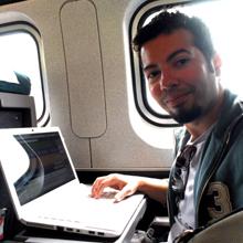 Blogando durante viagem de trem entre Syracuse e New York.