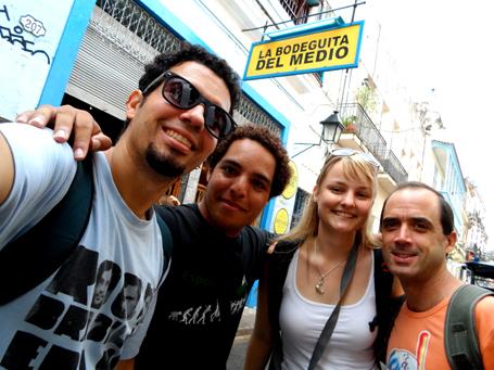 Últimos mojitos na Bodeguita del Medio, o bar mais tradicional de Havana.