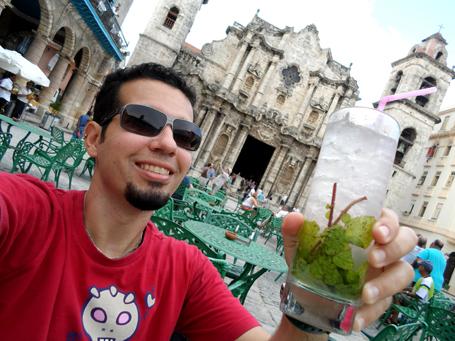 Mojito perfeito em frente a Catedral de Havana.